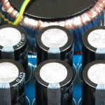 音響放大器「電流聲」的成因